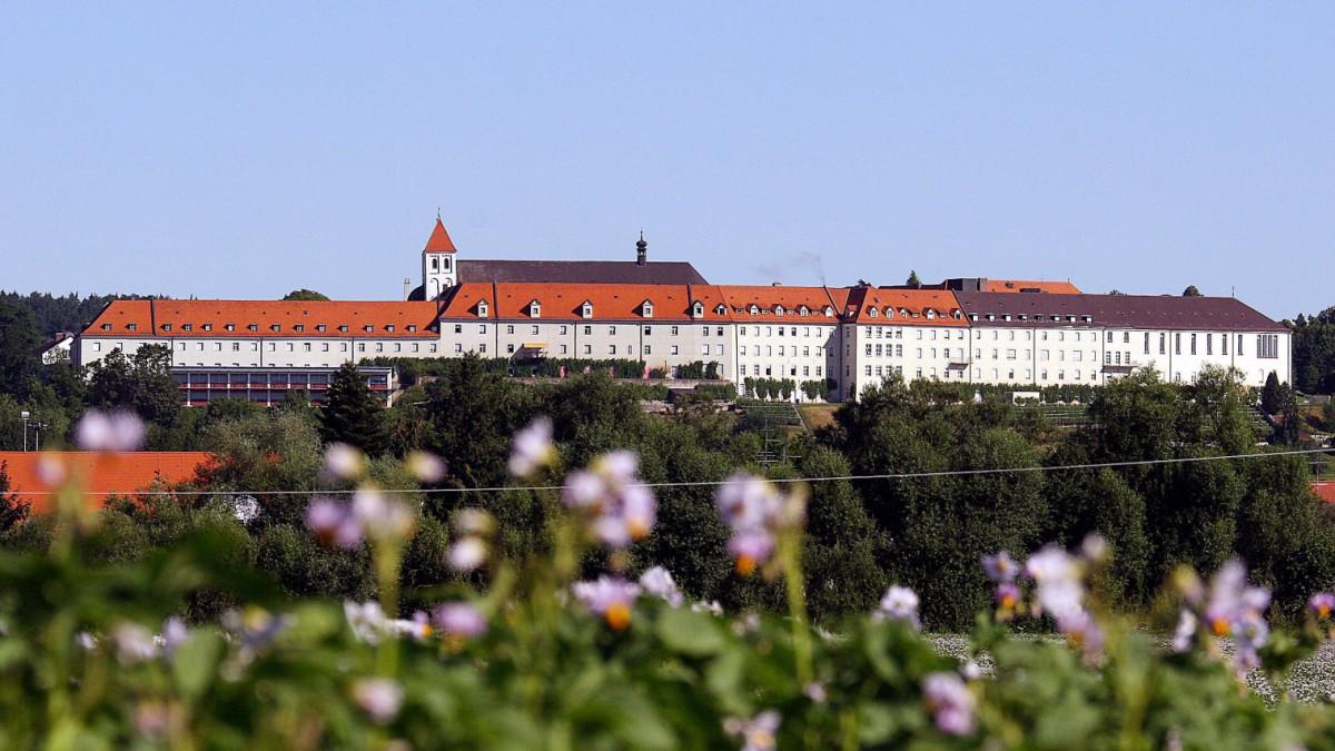 Corona in Bayern: Corona-Test für 650 Klosterschwestern