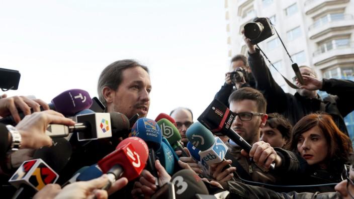 Podemos citizen council meeting