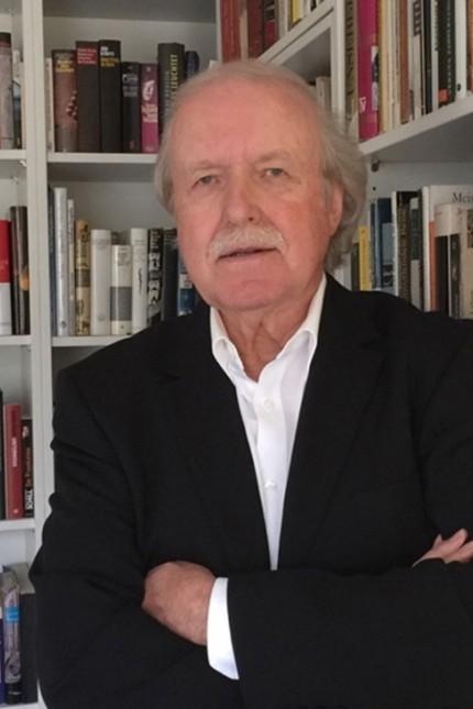 """Österreich: Droht ihm ein Prozess? Autor Peter Reichard (Foto) wollte mit seinem Buch """"endlich mit den ganzen Verschwörungstheorien aufräumen""""."""