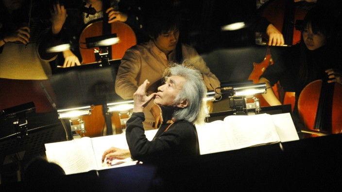 Conductor Ozawa s recording wins Grammy award Japanese conductor Seiji Ozawa is seen during a rehear