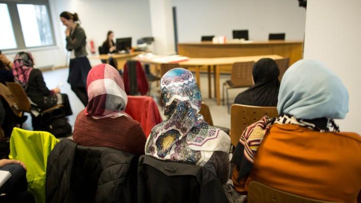 Das Berliner Arbeitsgericht verhandelt das Kopftuchverbot