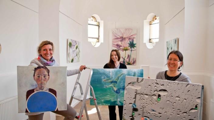 Glonn: Stellen dieses Wochenende in der Glonner Klosterschule aus: Michaela Schulte, Annette Koch und Brigitte Yoshiko Pruchnow.