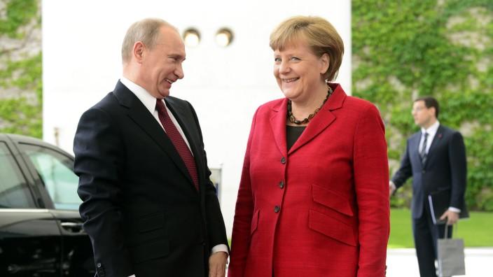 GERMANY-RUSSIA-SYRIA-POLITICS-UNREST