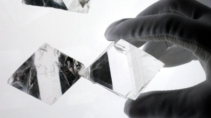 Wissenschaftliche Tagung zu Kristallen