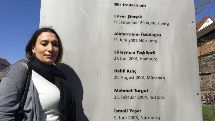 """Nürnberg: Warum Semiya Şimşeks aus der Türkei nach Nürnberg gekommen ist, kann sie ihrem dreijährigen Sohn nicht erzählen, """"er würde es nicht verstehen."""""""