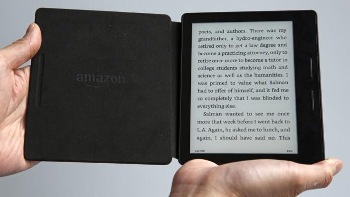Selfpublishing: Amazons Lesegerät Kindle: Nicht alle Bücher in der Flatrate des Konzerns sind ernst zu nehmen.