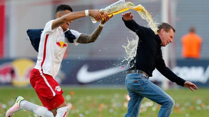 *** BESTPIX *** RB Leipzig v Karlsruher SC -  2. Bundesliga