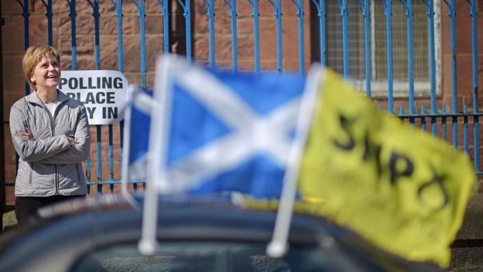 Nicola Sturgeon Returns To Her Constituency