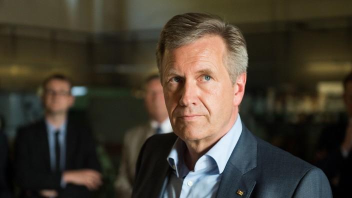 Christian Wulff diskutiert über 'Leben in der Öffentlichkeit'