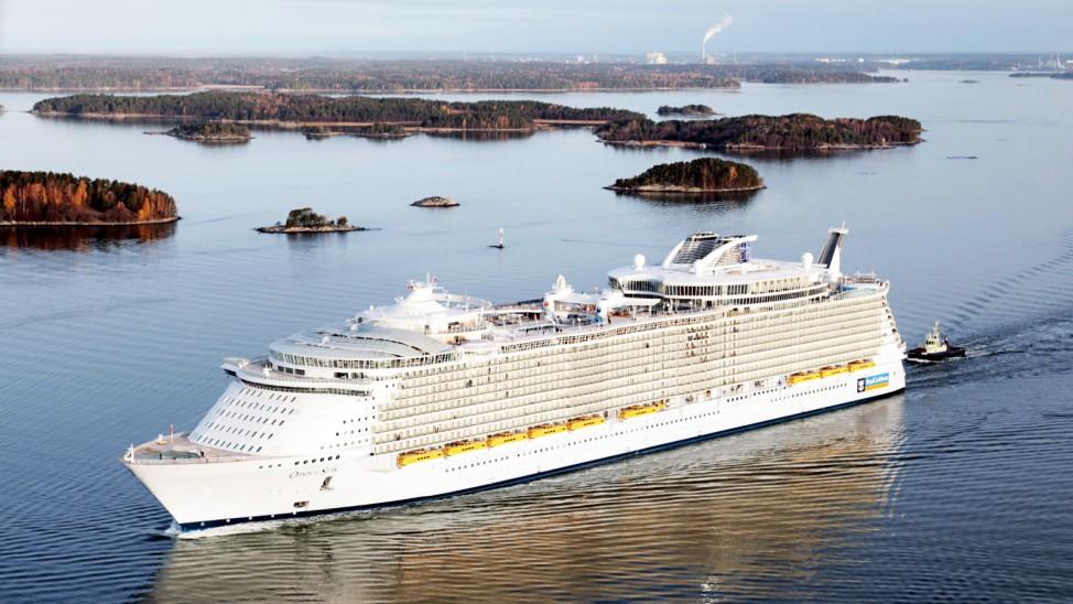 Jahreswechsel - Weltgrößtes Kreuzfahrtschiff auf Jungfernfahrt