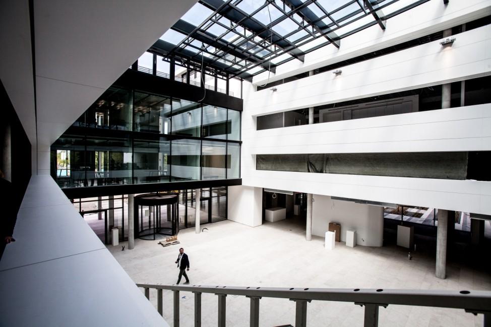 Microsoft Baustellengespräch: Noch 100 Tage bis zum Einzug âē Warum der âĞSmart WorkspaceâĜ der Arbeitsplatz der Zukunft ist. Neues Gebäude in der Parkstadt Schwabing.  Walter-Gropius-Straße 1-3