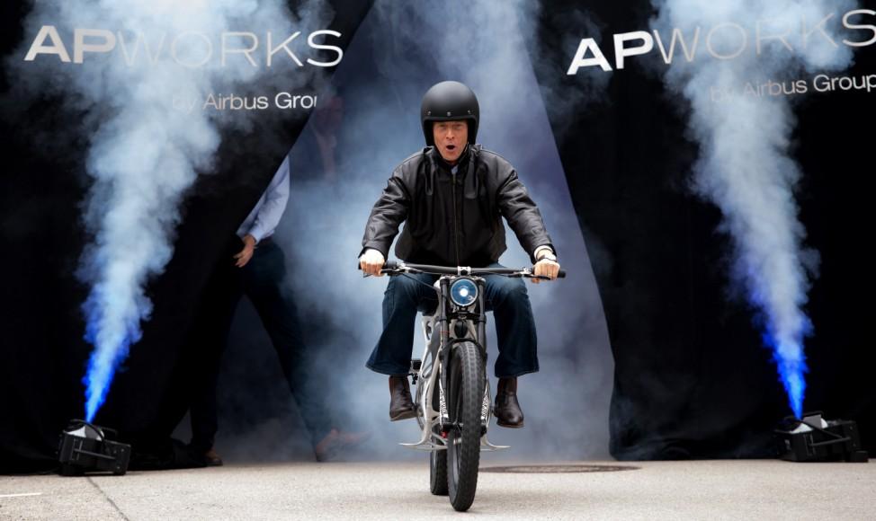 Airbus präsentiert 3D-Druck Motorrad 'Light Rider'