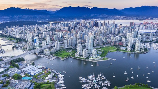 Vancouver with False Creek in foreground. PUBLICATIONxINxGERxSUIxAUTxHUNxONLY acp60205 photography