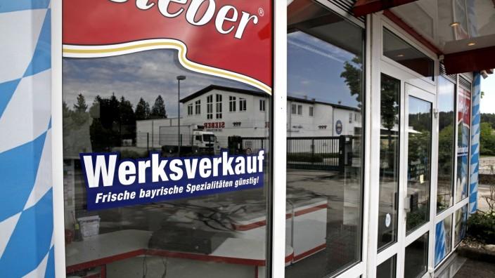 Lebensmittelhygiene: Vorübergehend geschlossen: der Sieber-Direktverkauf am Werk in Geretsried.