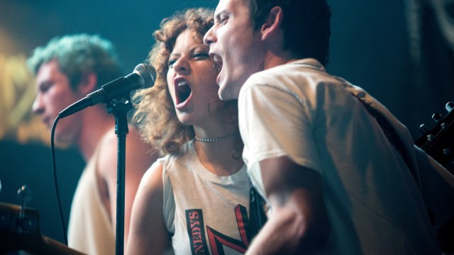 """""""Green Room"""" im Kino: Die Band Ain't Rights wird gleich ein großes Problem bekommen."""