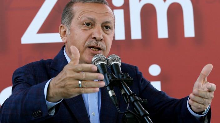 Armenier-Resolution im Bundestag: Der türkische Präsident Recep Tayyip Erdoğan kritisiert die Armenien-Resolution des Bundestages.