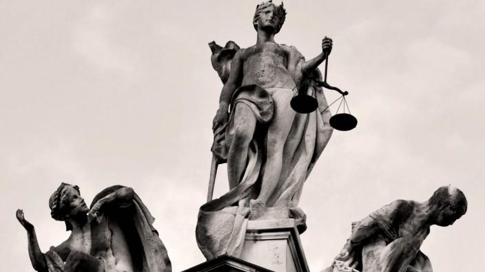 Justizia Justizpalast München s/w