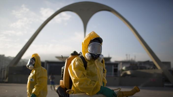 Zika-Virus: Mückenbekämpfung am Sambadrom, einer der olympischen Sportstätten in Rio de Janeiro.