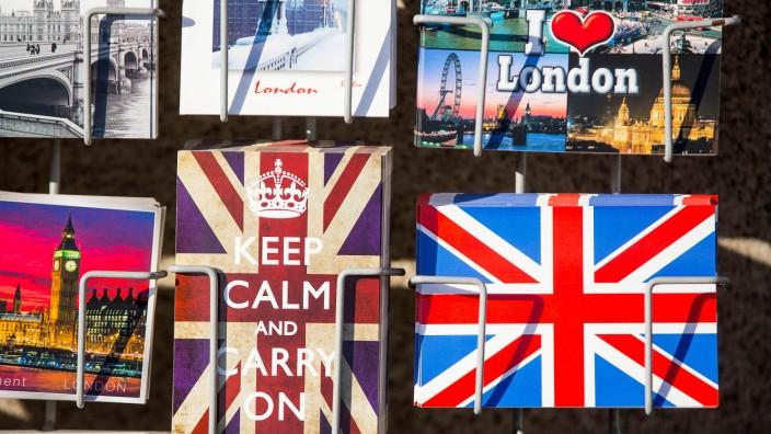 Postkartenständer in London, England, Großbritannien