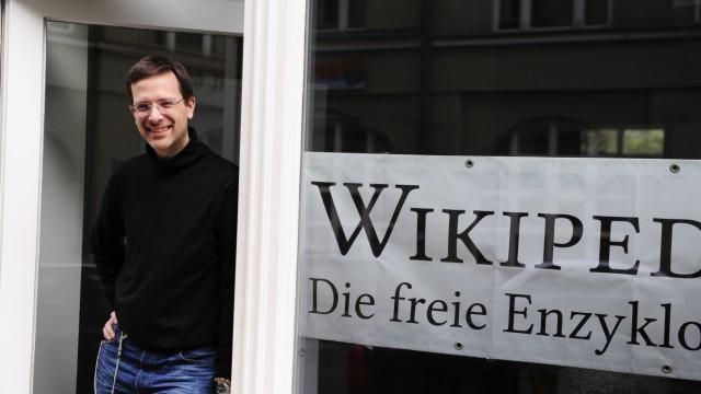 Neues Wikipedia-Büro: Der ehrenamtliche Wikipedia-Autor Patrick Fischer.