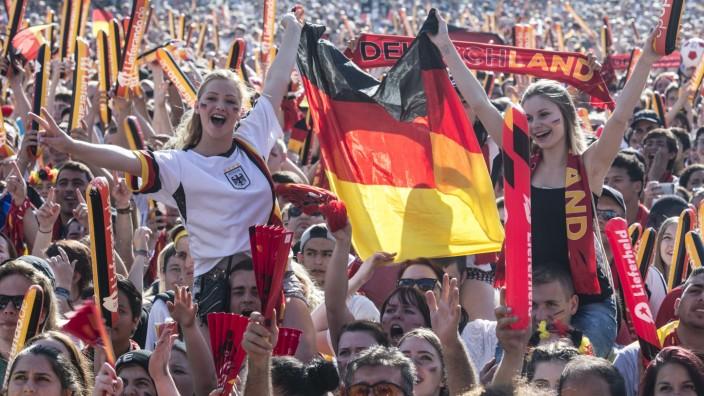 EURO 2016 - Fanmeile am Brandenburger Tor