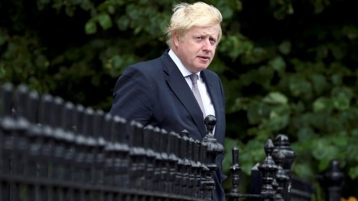 Vote Leave campaign leader, Boris Johnson, leaves his home in London
