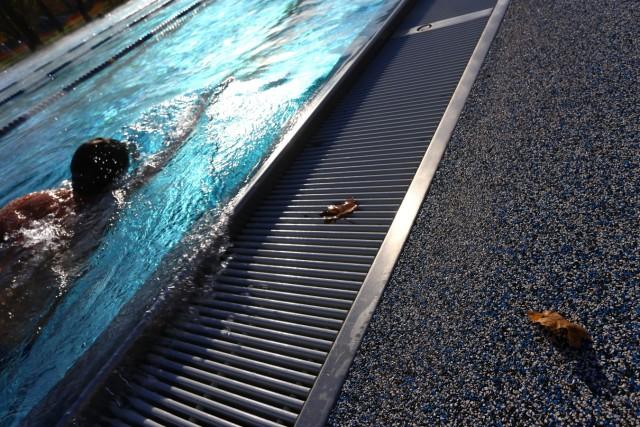 Schwimmer im Dantebad in München, 2015