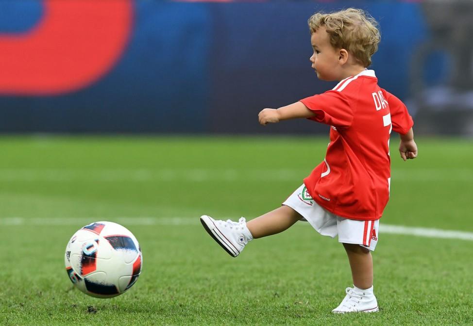 EURO 2016 - Round of 16 Wales vs Northern Ireland
