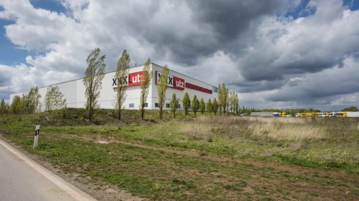 Aschheim, Klausener Straße, Grundstück bei XXL Lutz