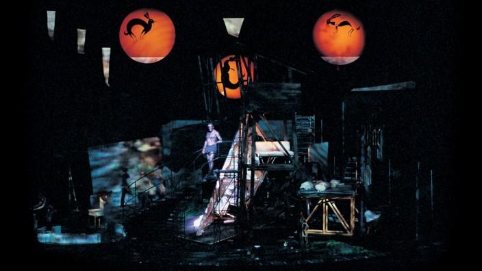"""Opernskandal: So ging das auch mal: Zu den spektakulärsten Aufführungen in Bayreuth zählte der 2004 von Christoph Schlingensief inszenierte """"Parsifal""""."""