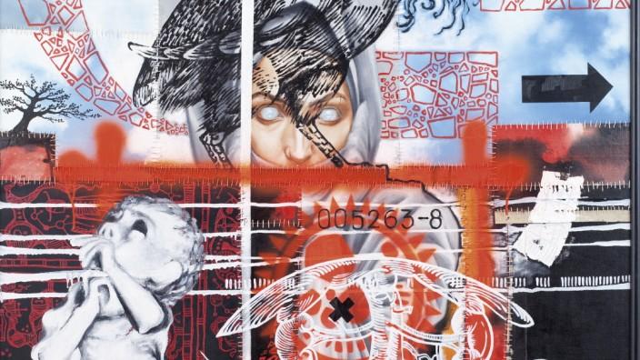 Nachlass: Für seine morbide Ästhetik hat Sven Pfennig die Leinwand bemalt, zerrissen und wieder geflickt. Grobe Nähte halten das Bild zusammenhalten.