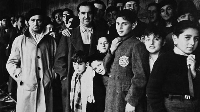 RETRO-ISRAEL-SHOAH-HOLOCAUST