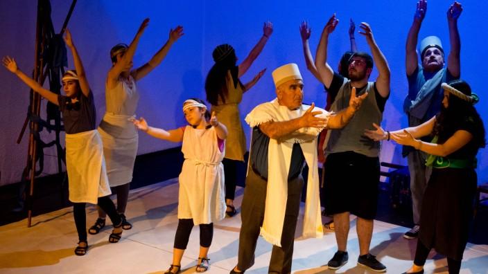 Meta Theater 'Enuma Elisch'