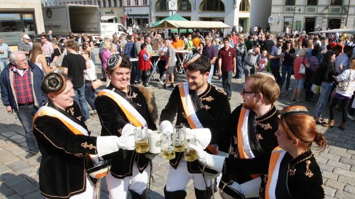 Trinkzwang und Konservatismus: In den Farben ihrer Verbindung zeigen sich bei der Studentenverbindung C.St.V. Lichtenstein schon seit einiger Zeit auch Frauen.