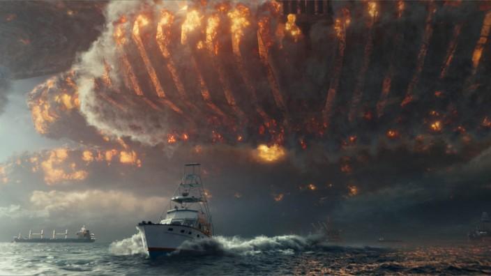 """Kulturgeschichte: """"Wer sich die Apokalypse vorstellen kann, ist klar im Vorteil"""", sagt der Historiker Johannes Fried. Die Vorstellung vom Weltuntergang schlägt sich auch in Filmen nieder. Aktuellstes Beispiel: """"Independence Day: Wiederkehr""""."""