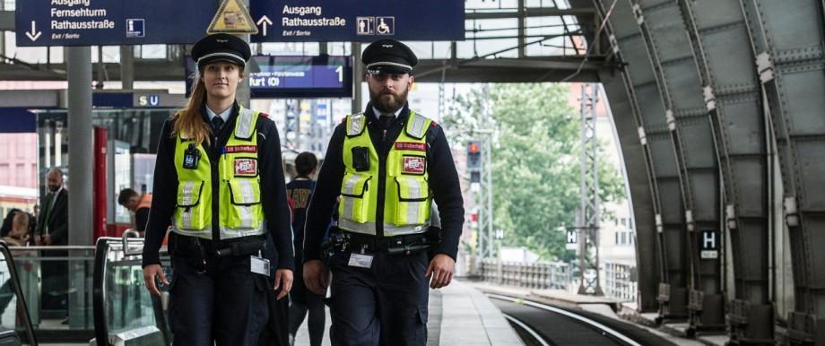 Bahn will mit Körperkameras Sicherheit erhöhen