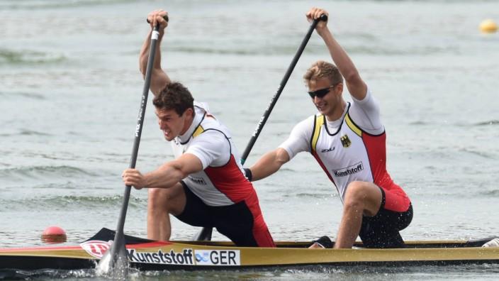 From left: German Sebastian Brendel and Jan Vandrey during the C2 1000-metre at the ICF (Internation