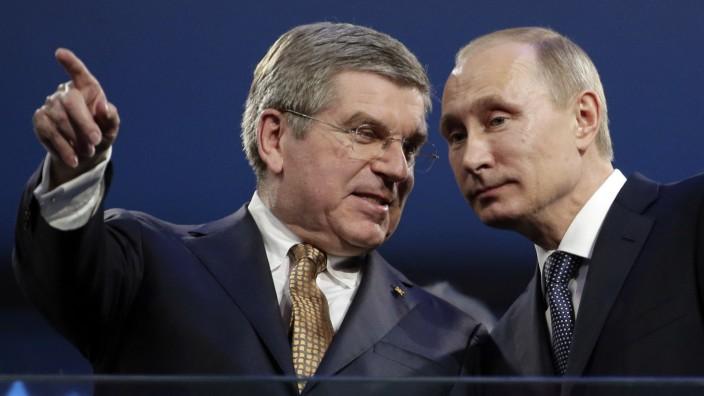 Olympia-Sperre für Russland: IOC-Präsident Thomas Bach (links) und Wladimir Putin.