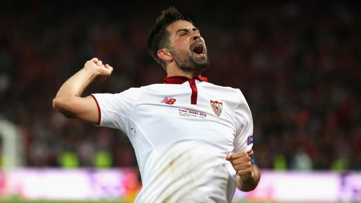 Liverpool v Sevilla - UEFA Europa League Final; Coke