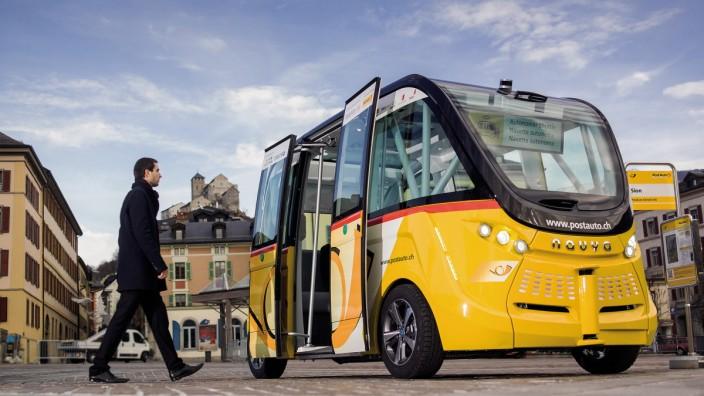Selbstfahrendes Postauto in der Schweiz