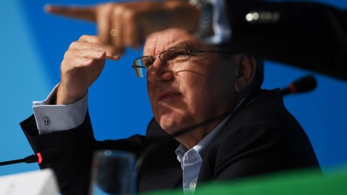 IOC-Präsident Bach: Da geht's lang: Wer IOC-Präsident Thomas Bach die Richtung vorgibt, ist eine viel diskutierte Frage.