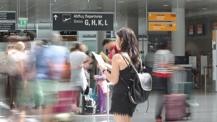 Reiserecht bei Umbuchungen: Der Flug in den Urlaub war sorgfältig geplant - umso ärgerlicher ist es, wenn der Veranstalter die Flugzeiten ändert.