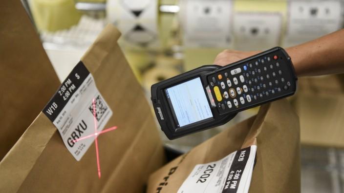 Prime now: Der schnellere Lieferservice von Amazon erhöht den Druck auf die Münchner Einzelhändler.