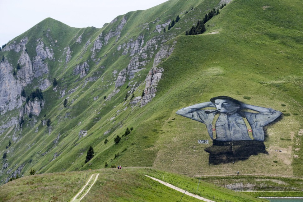 Picture painted with biodegradable paint on grass in Leysin