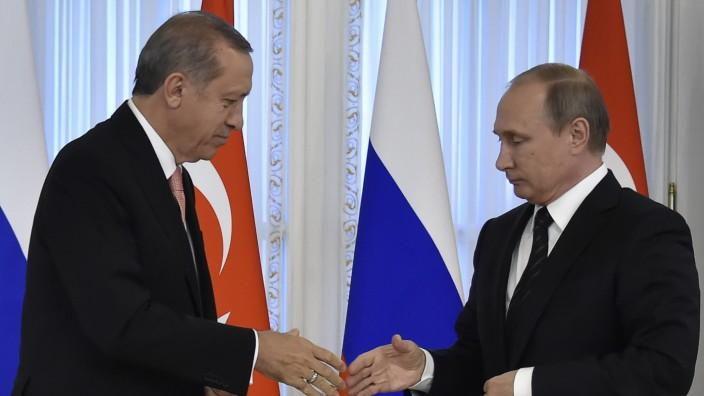Attentat inAnkara: Der türkische Präsident Recep Tayyip Erdoğan (links im Bild) und sein russischer Amtskollege Wladimir Putin bei einem Treffen im August 2016 (Archivbild).