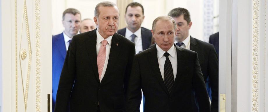 Russian President Vladimir Putin meets with Turkish President Rec