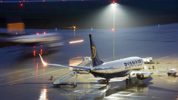 Ryanair Billigflieger Flughafen Frankfurt-Hahn