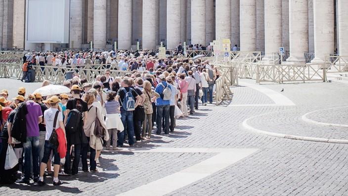 Touristenplage in Städten