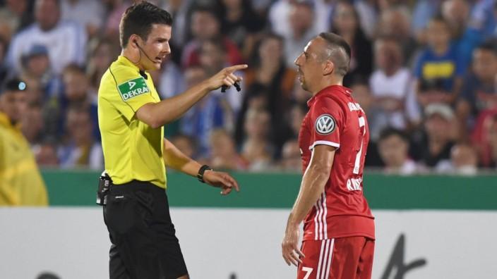 Fussball Herren Saison 2016 17 DFB Pokal 1 Runde FC Carl Zeiss Jena FC Bayern München v l