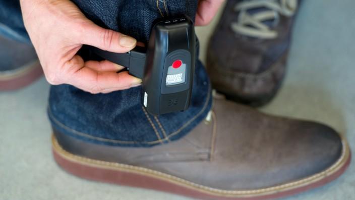 Zentrale für Fußfessel-Überwachung